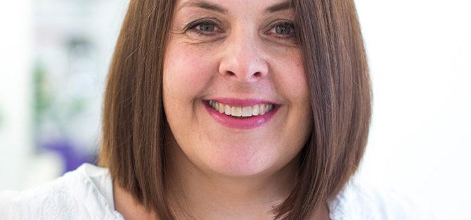Dagmar StingelFriseurin mit Spezialisierung auf Haar- und Kopfhautpflegen
